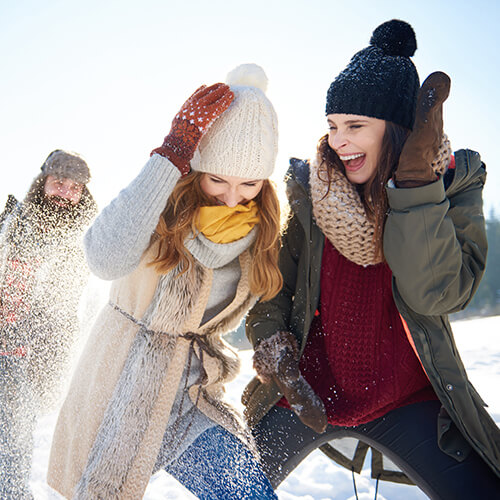 blistex-lippenpflege-winter-schneeballschlacht