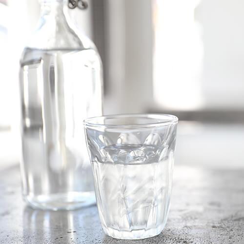 glas-wasser-feuchtigkeit
